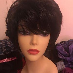 Harlem 125 MoMs collection wig medium length 1B
